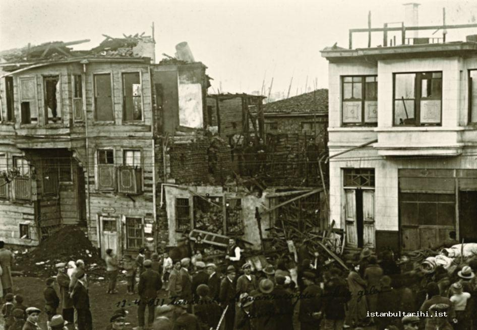18- A fire site in Ayvansaray (13 April 1933) (Istanbul Metropolitan Municipality,   Atatürk Library)
