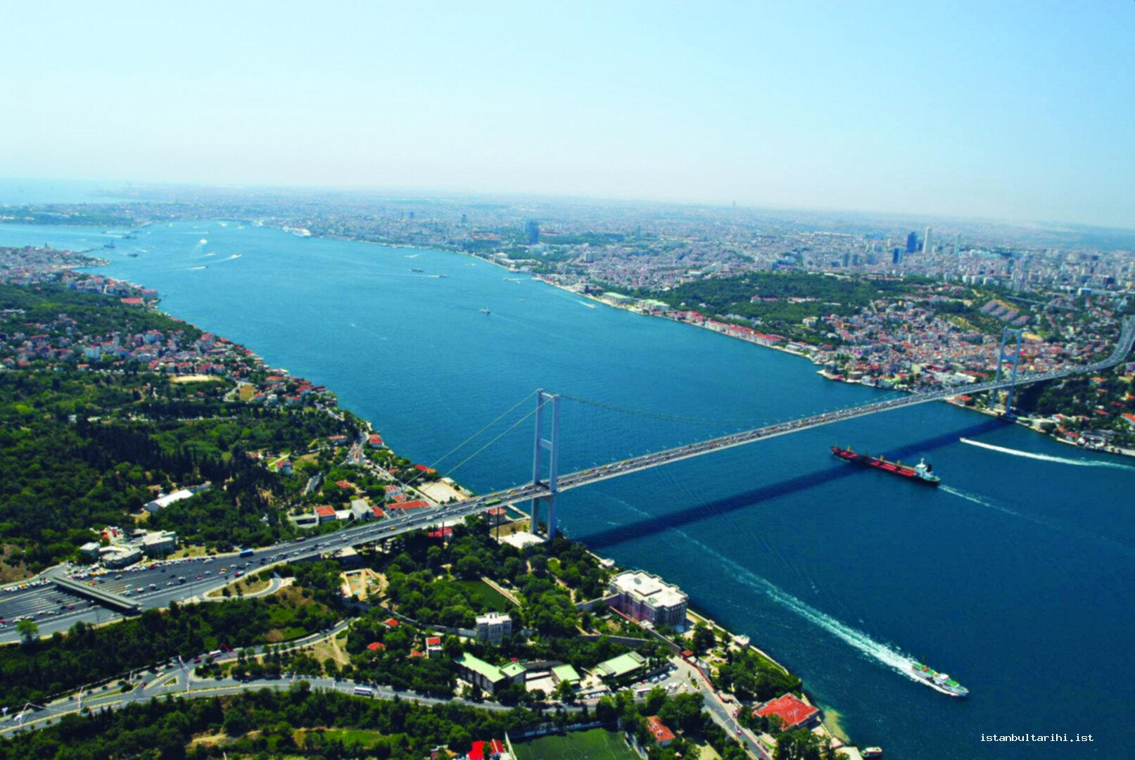 28- From the Bridge of 15 July Martyrs (Bosporus Bridge before July 2016) to Sarayburnu: Two sides of the bridge