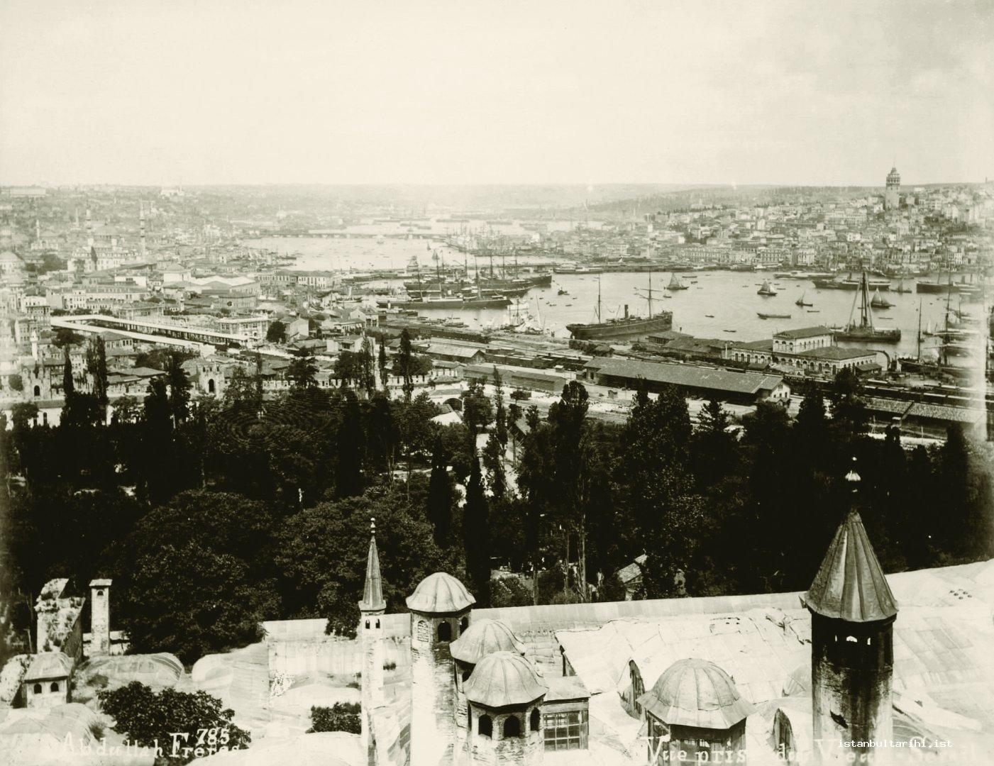 8- Two sides of the Golden Horn from Topkapı Palace (Yıldız Albums)