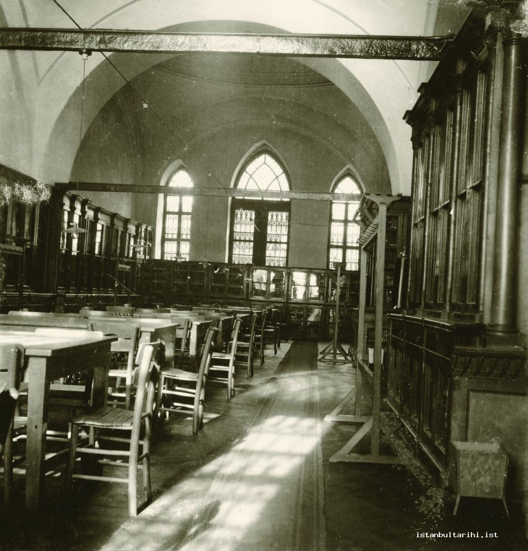 8- Old tables, chairs, and book shelves in Beyazıt State Library waiting for the readers (Istanbul Metropolitan Municipality, The Archive of City Council)