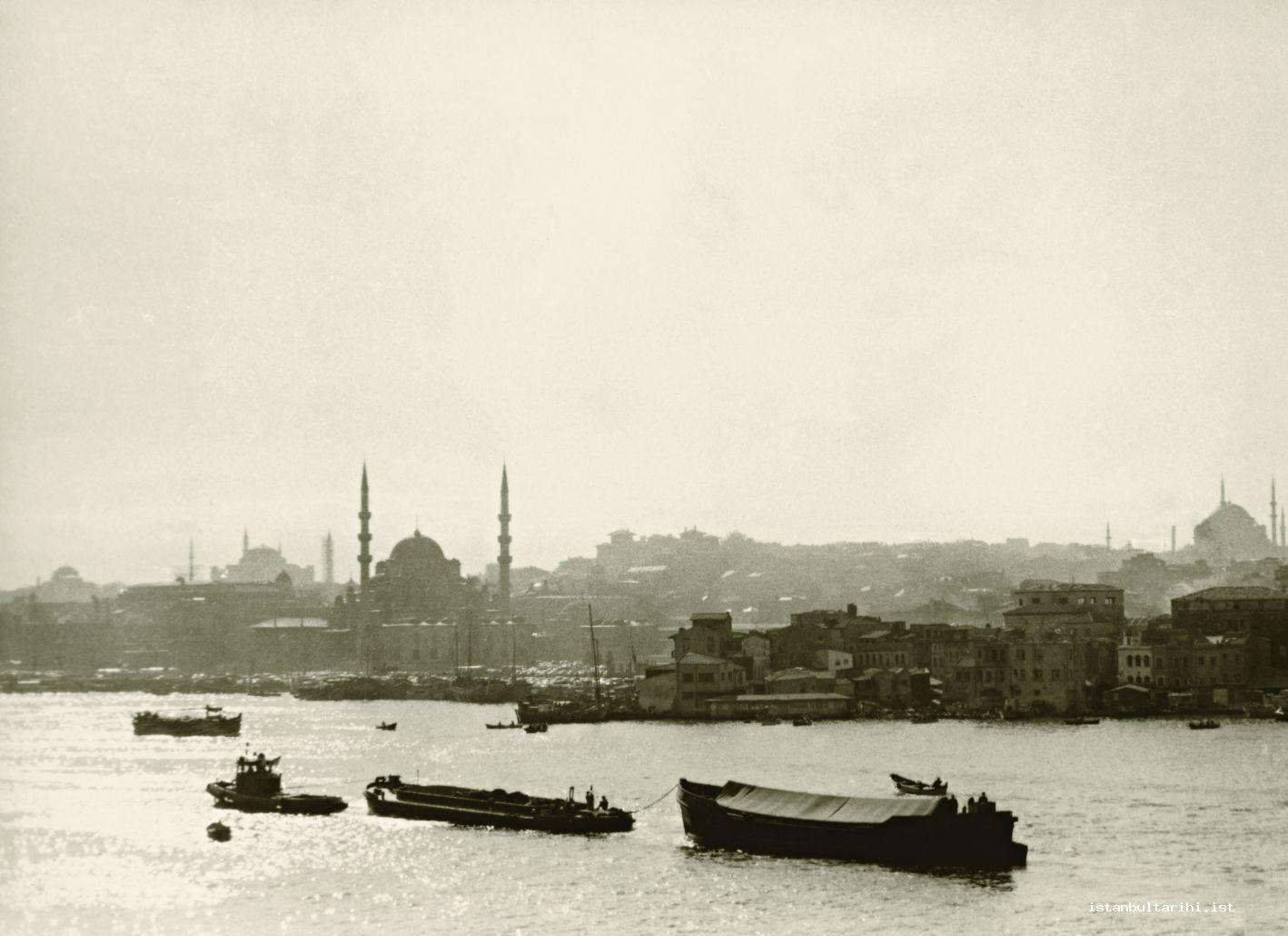 2- The partial view of the section of Istanbul within city walls from the Golden Horn.