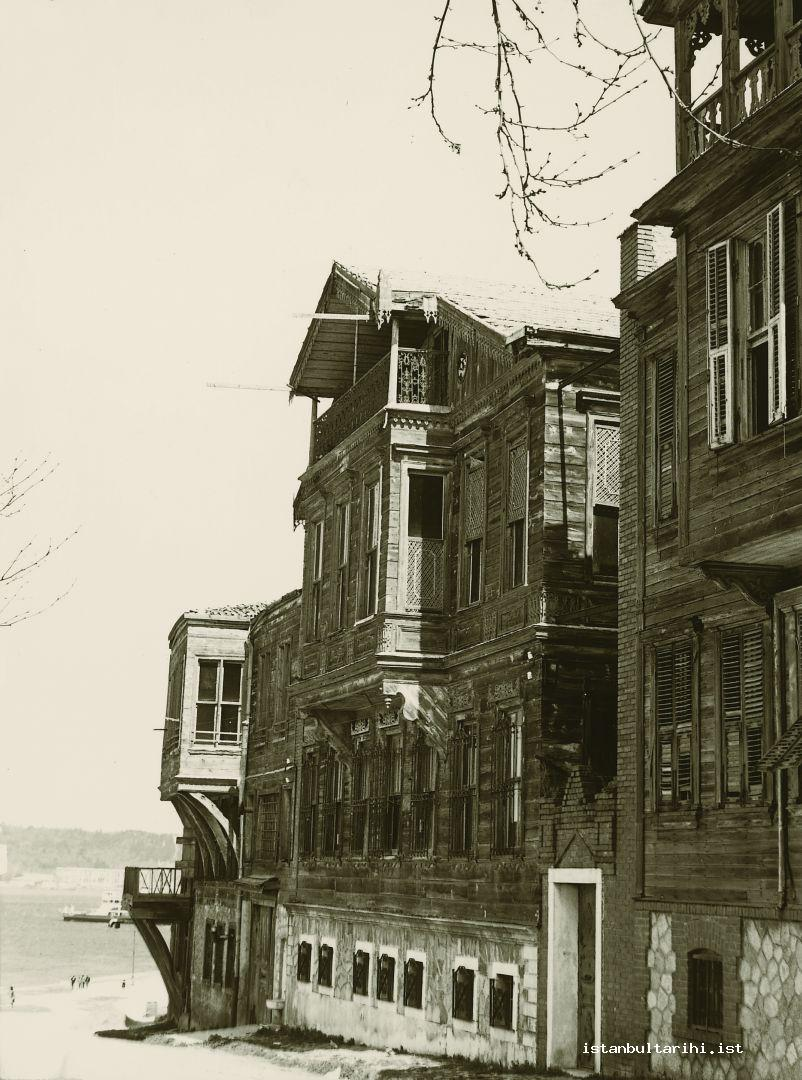 6- Wooden Mansions in Istanbul in 1950s