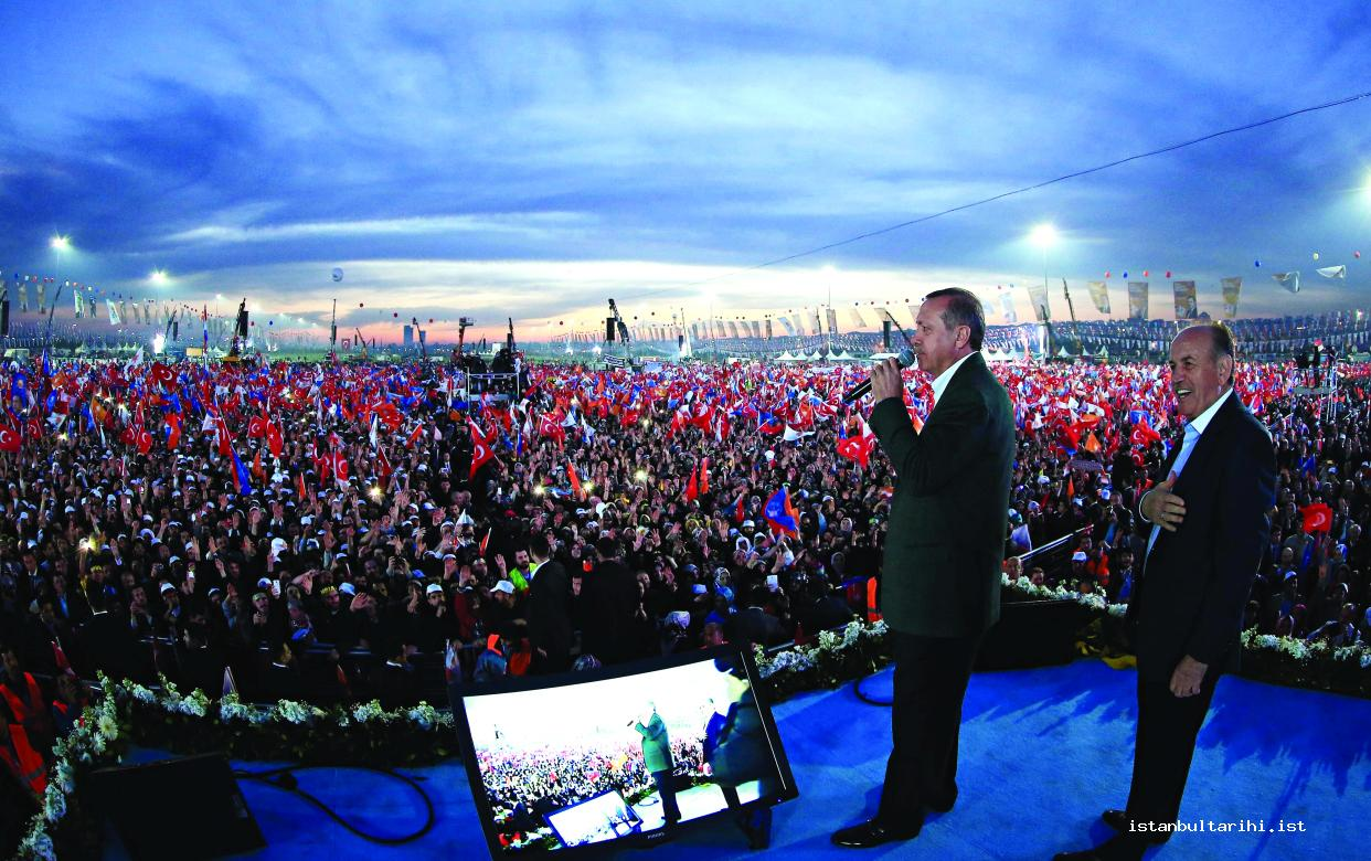 17- AK Party Chairman Recep Tayyip Erdoğan and Istanbul Metropolitan Municipality mayor candidate Kadir Topbaş at a rally in Yenikapı before the elections on Mach 27, 2014
