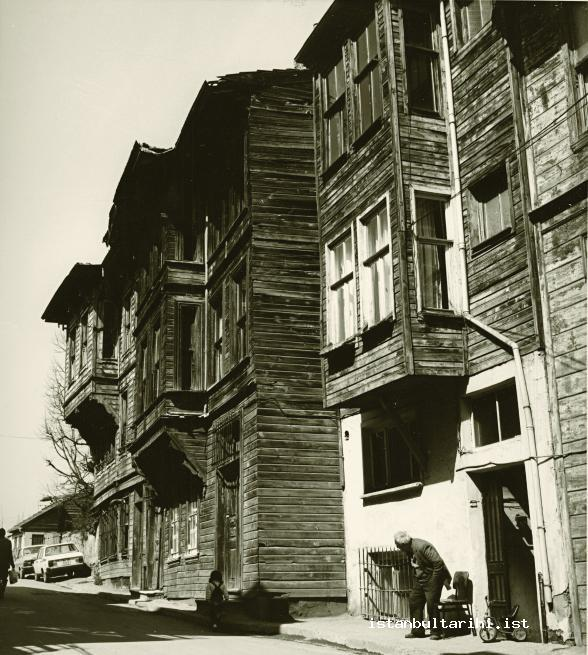 18- An old Istanbul street