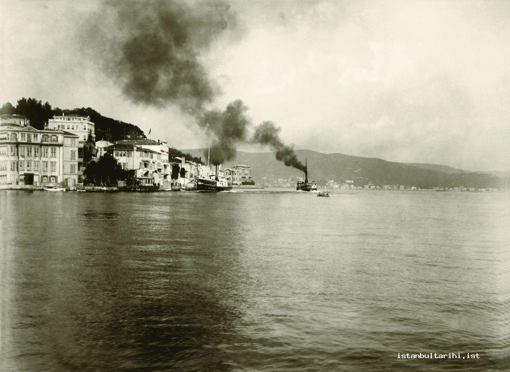 16- A steamship travelling over Bosporus line