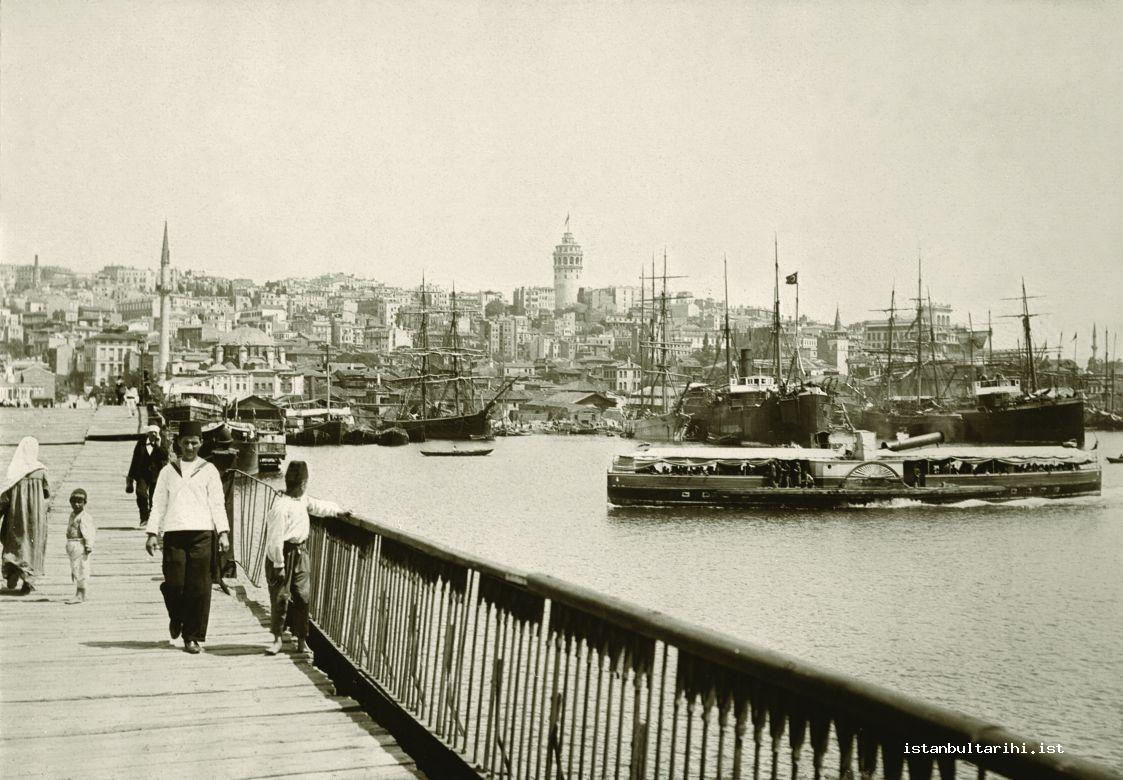 "25- The Golden Horn Passenger boat which could bend its funnel in order to pass under the Galata Bridge and which was also named as ""iron"" among public (Yıldız Albums)"