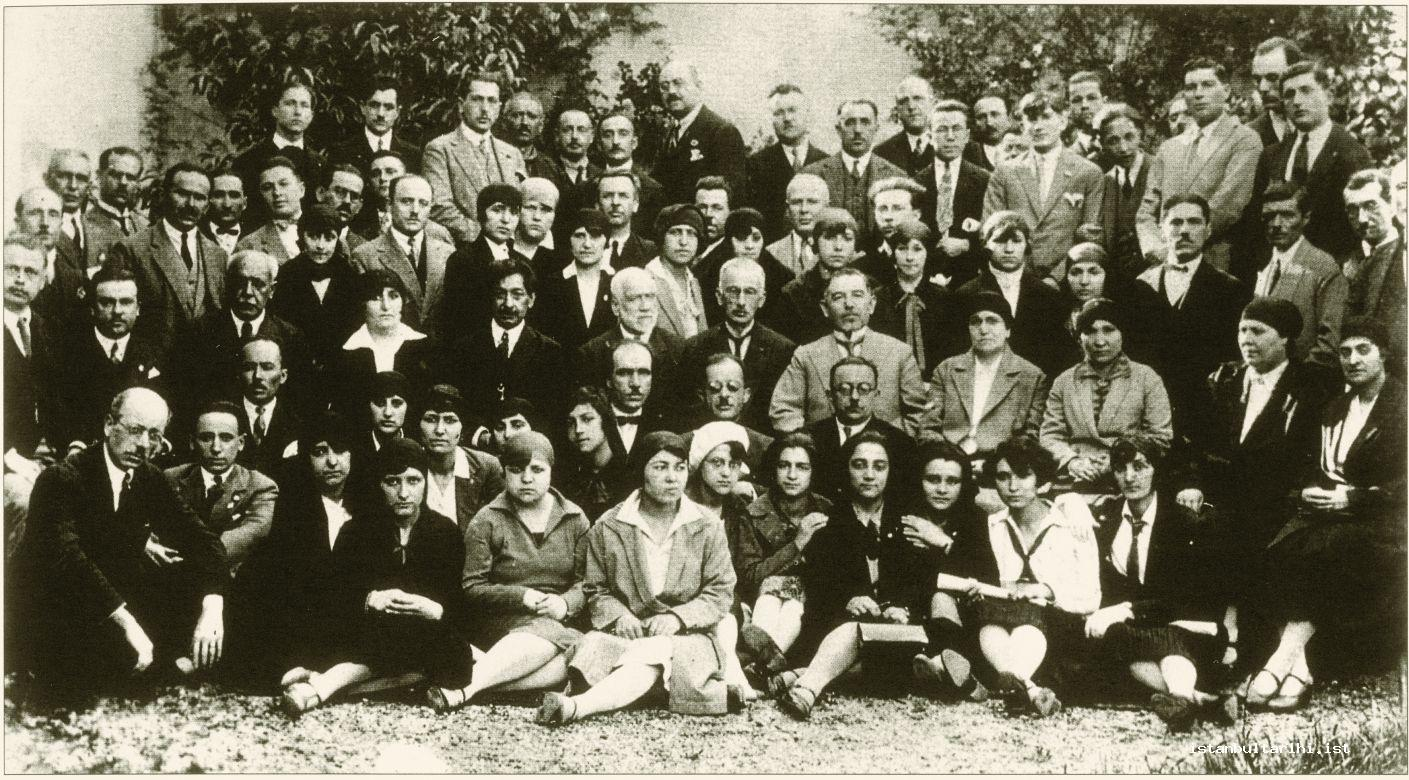 9- Masters of music came together with the instructors and students of Darülelhan upon cancellation of Turkish music classes at Darülelhan. The back row the second
