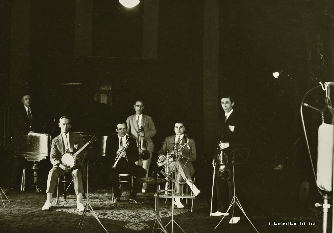 2- The musicians of Radio Istanbul (Istanbul Metropolitan Municipality, Atatürk Library)