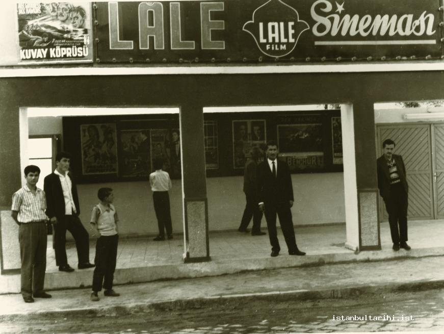 9- The entrance of Lale Movie Theater