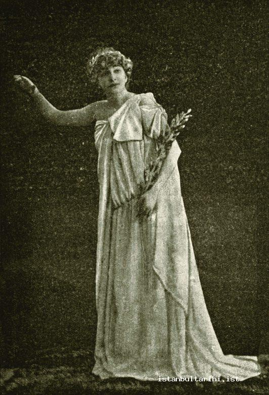 8- Madam Sarah, an actress in Istanbul