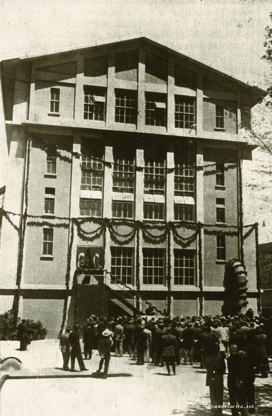 15- The power plant building opened by a ceremony