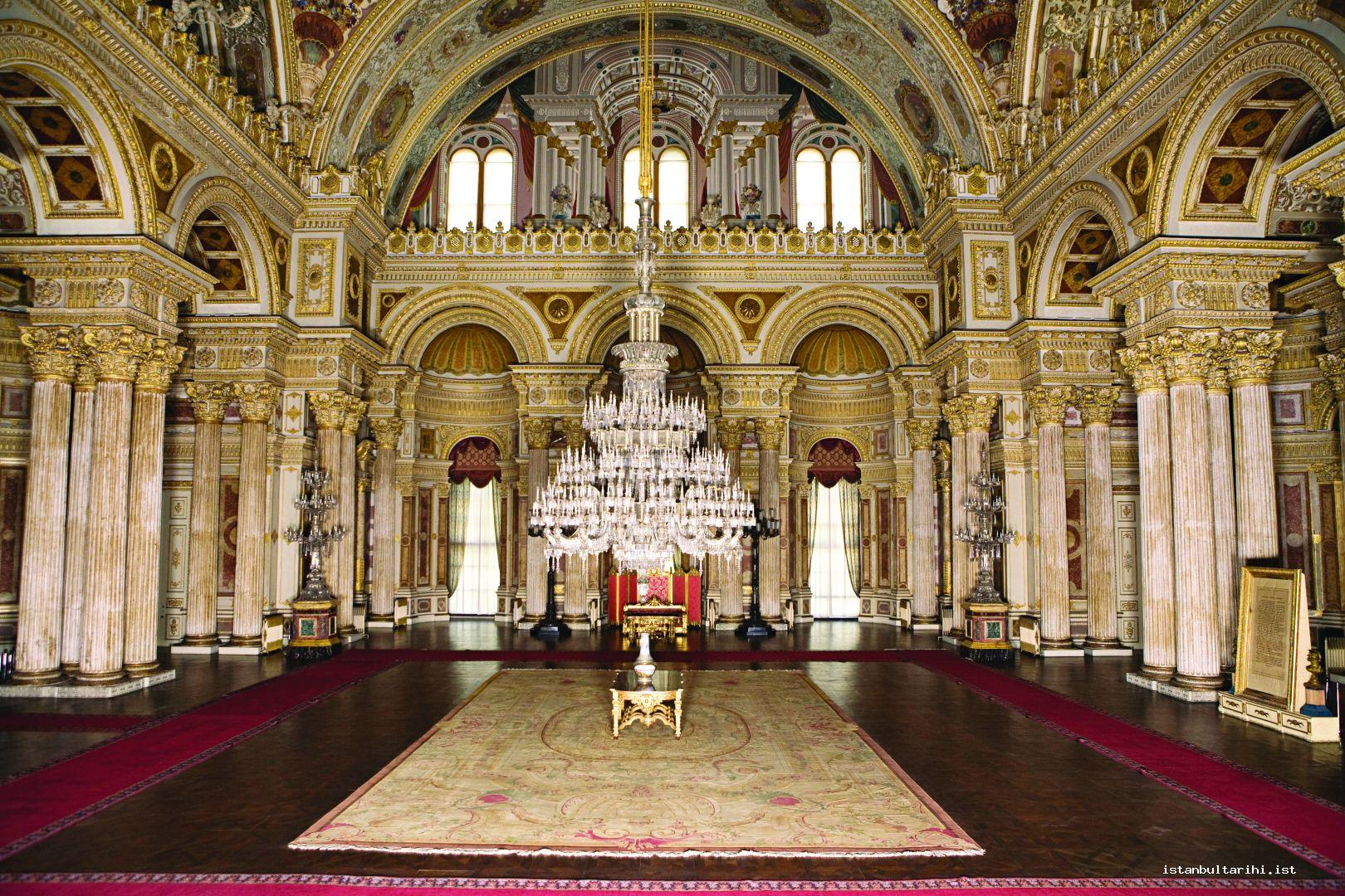 5- Zülvecheyn (one with two faces) Hall in Dolmabahçe Palace