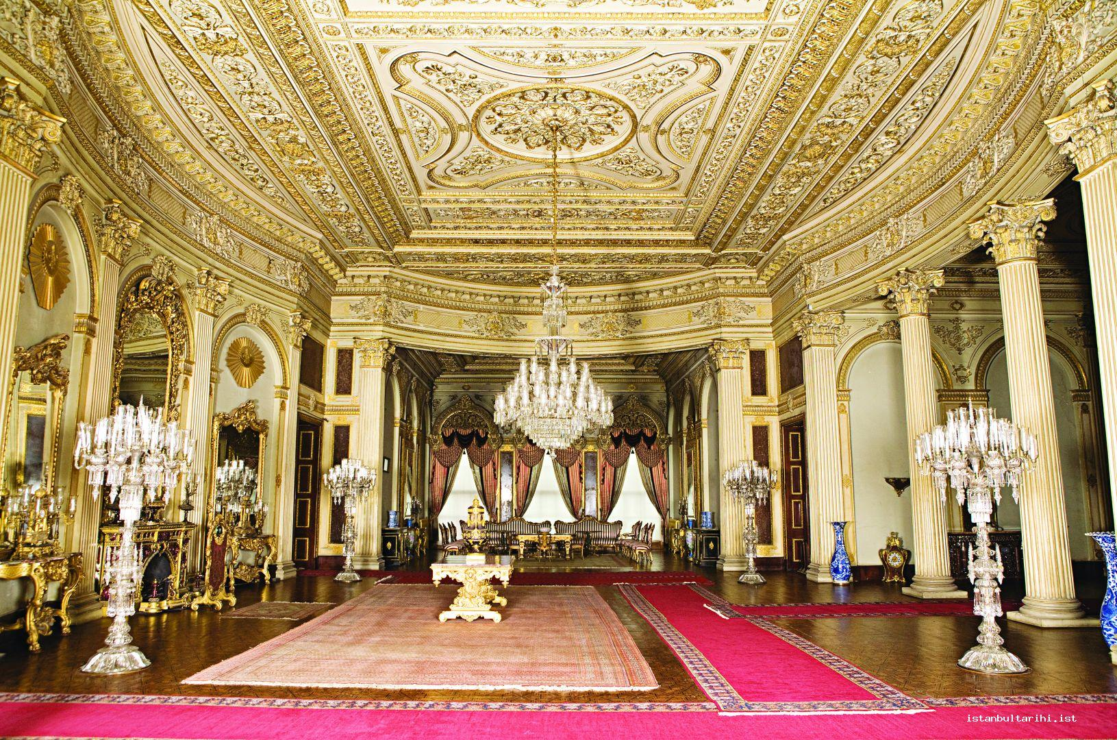 6- Muayede Hall (the hall for exchanging festival greetings) in Dolmabahçe Palace