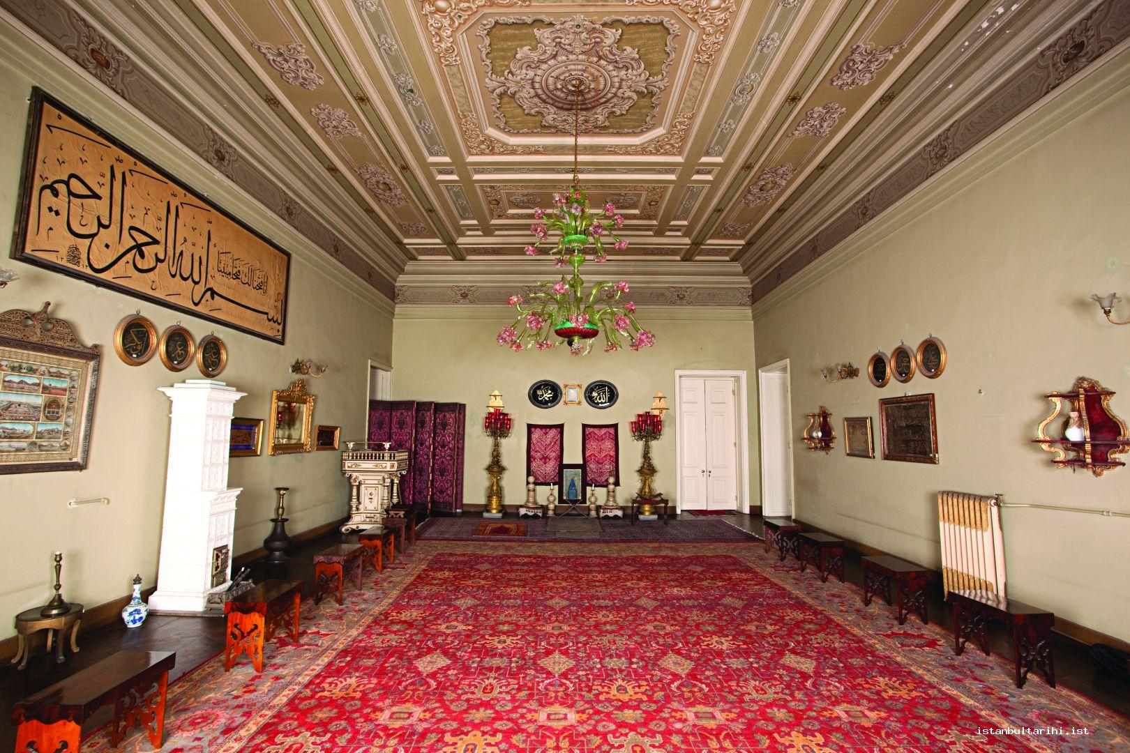 8- The sultan's prayer room in Dolmabahçe Palace
