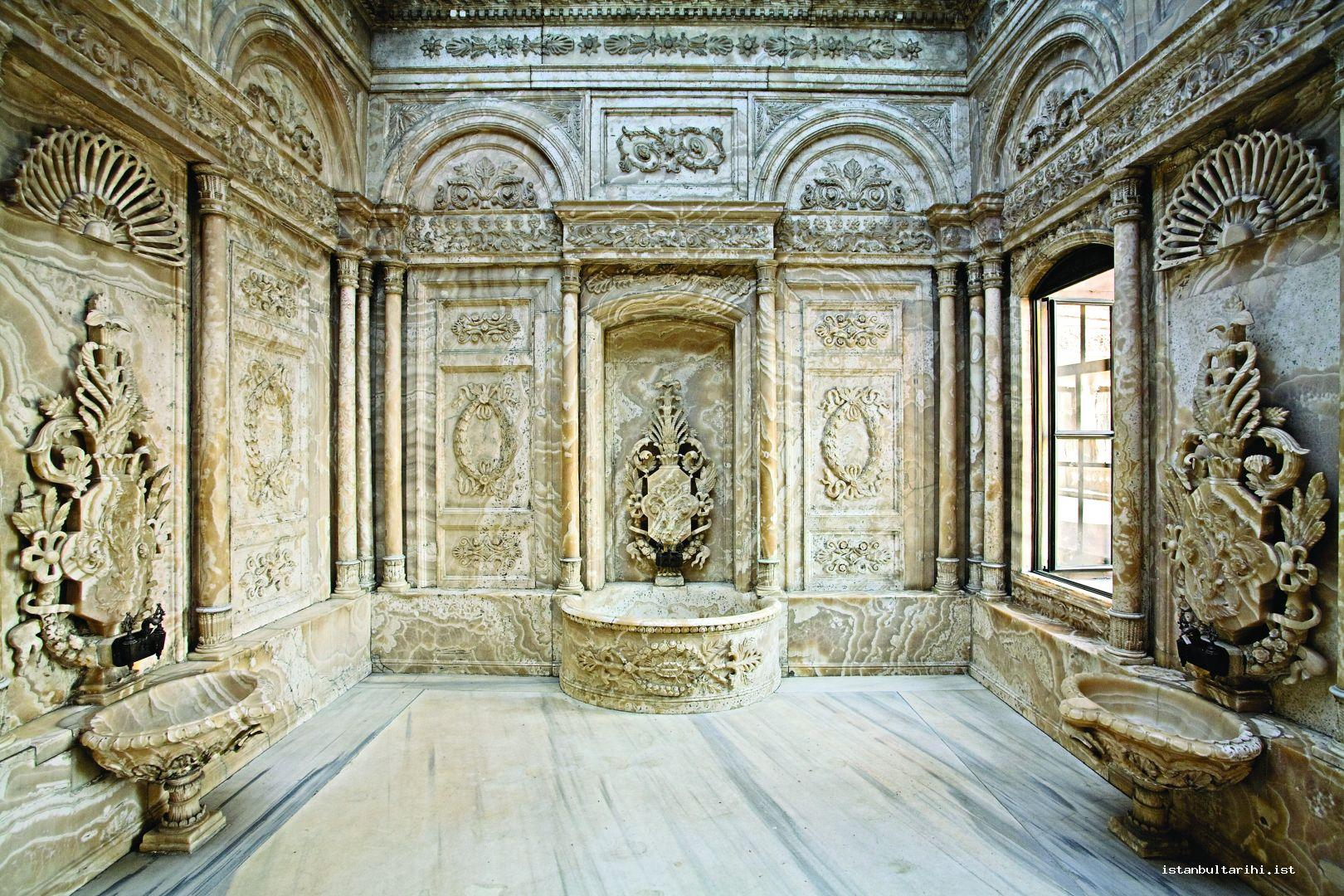 9- The sultan's bath room in Dolmabahçe Palace